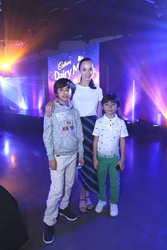 Amina Aranaz and  her sons Lucas and Diego
