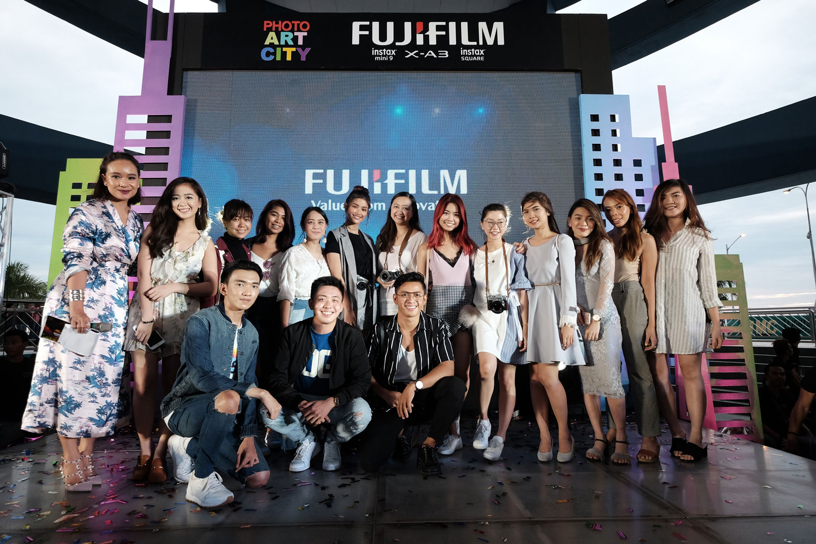 Liza Soberano with her fellow Fujifilm Influencers
